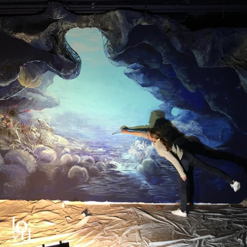 "Fresque murale ""Nemo 33 "" Laurence Henno peintre marine belge"